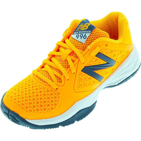 This New Balance Junior's 996V2 Tennis Shoe is the perfect opportunity for  young players to step