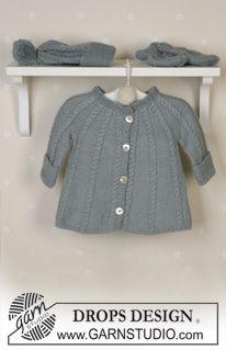 DROPS jakke med raglan, fletter, lue med pongpong, votter, sokker og teppe i Alpaca, rangle. ~ DROPS Design