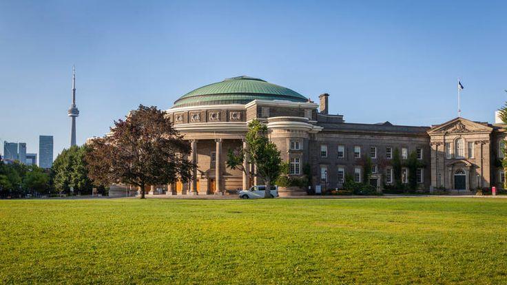 Universidade de Toronto, na cidade de Toronto, no Canadá