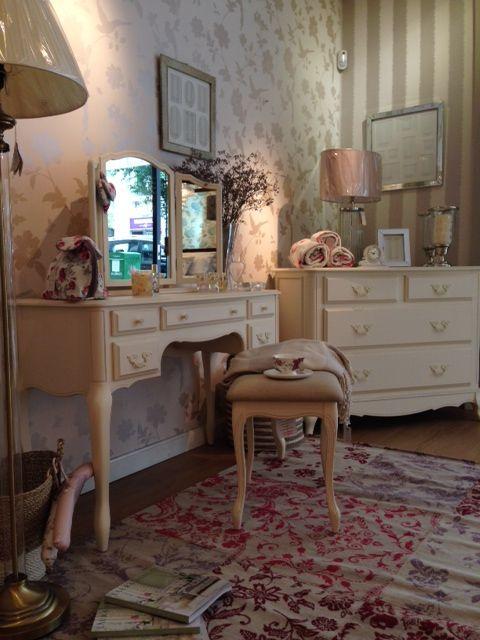 7 best Nuestro Showroom images on Pinterest Showroom Laura