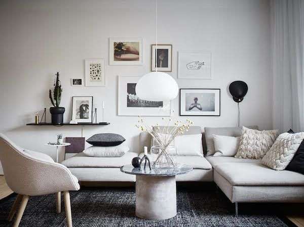 Sitting / living room. Small space inspiration - from the home of a Swedish stylist. Joanna Bagge /  Jonas Berg. Stadshem.
