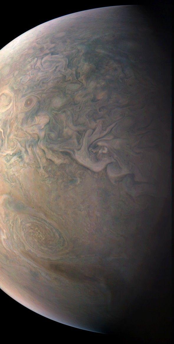Juno image of Jupiter looks like an impressionist painting.