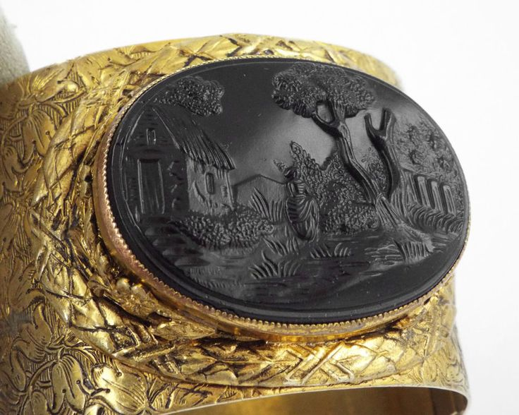 1890s WIDE VICTORIAN GUTTA PERCHA CAMEO MOURNING GOLD FILLED BRACELET/BANGLE