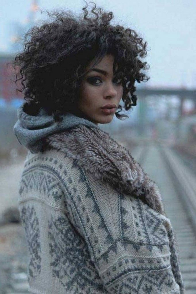Middle-Length Hairstyles for Afro-American Women   Trendy Hairstyles 2015 / 2016 for long, medium and short hair