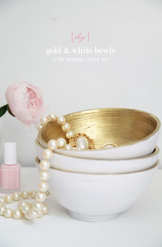diy gold and white bowls - totally love these!