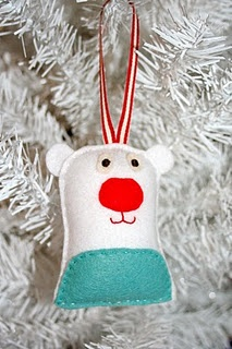 Polar Bear ornament - here is another bear idea for my daughter to sew.
