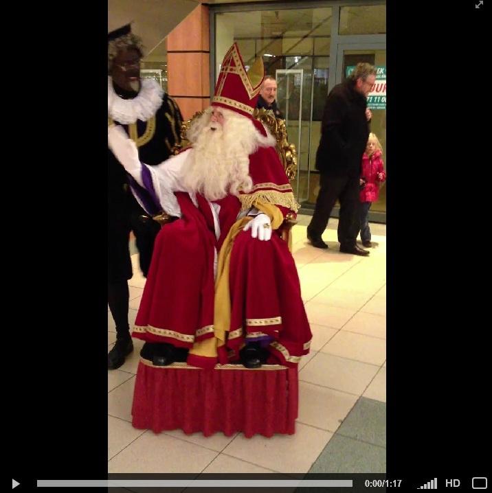 Klik hier voor het #filmpje van #Sinterklaas en #Profpiet met de #rijdende #troon. {01-12-12}