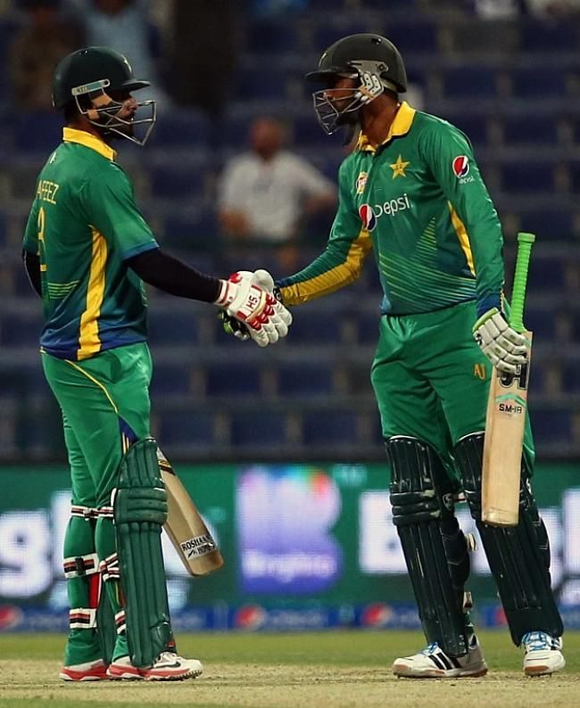 Mohammad Hafeez crossed fifty and put on a good stand with Shoaib Malik.