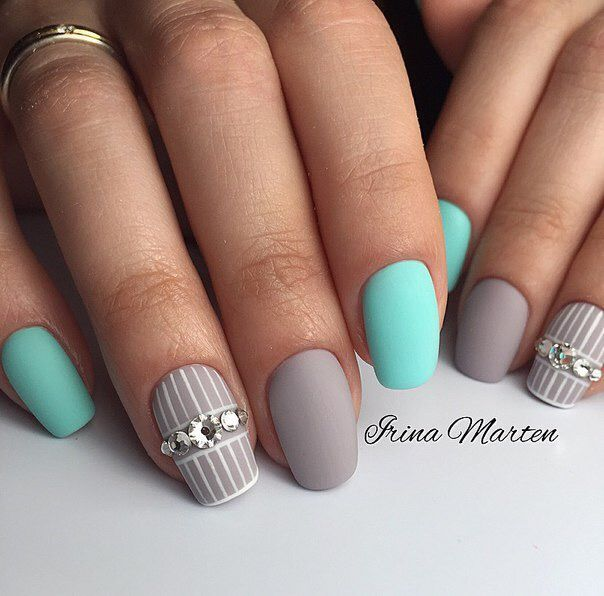Best 25+ Line nail art ideas on Pinterest | Line nail ...