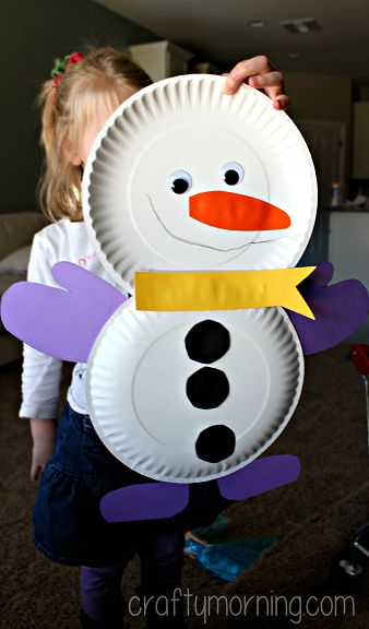 Cute Paper Plate Snowman Craft - Winter craft for kids #christmas | CraftyMorning.com