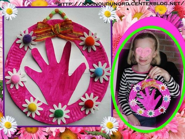 Main dans une assiette en carton pour la fête des mères  explications sur mon blog