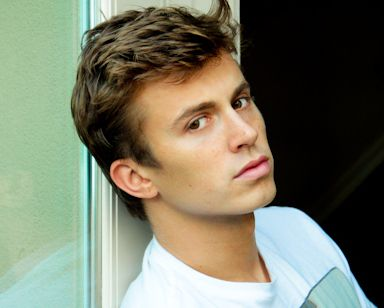 Kenny Wormald (aka sexy guy named Ren from Footloose!)