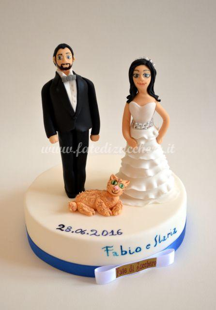 Cake Topper per il Matrimonio: Sposi interamente modellati a mano e personalizzati con lineamenti e dettagli abiti reali