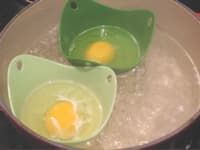 There's more than one way to poach an egg, that's for sure. I'm still practicing…