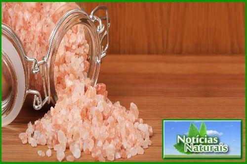 Sal rosa do Himalaia. Benefícios e diferenças com o marinho e o refinado.