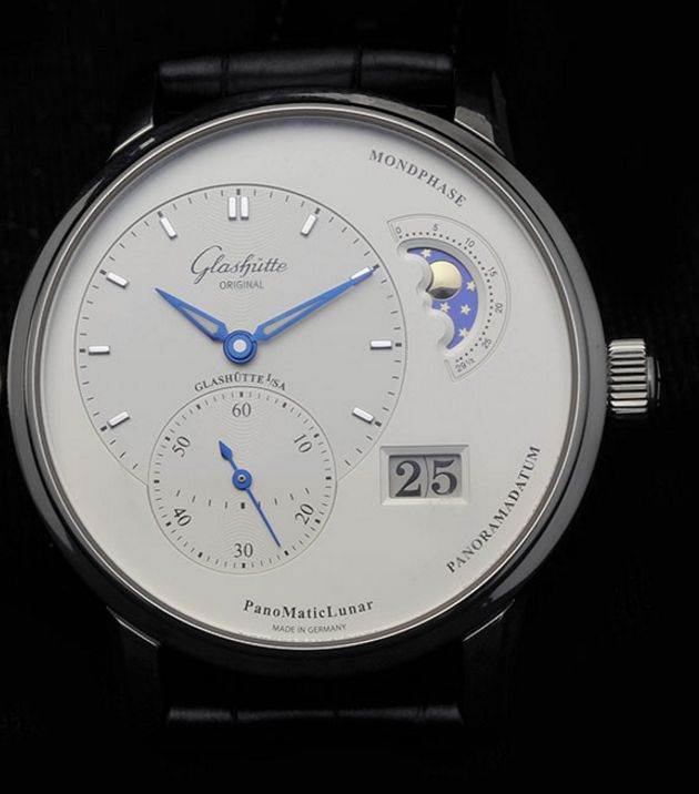 [Question] Anyone else bothered by the dial offset of the GO Panomaticlunar? | Crazy Discounts on Luxury Watches: http://bit.do/DiscountWatch