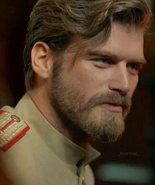 Kivanc Tatlitug as Kurt Seyit