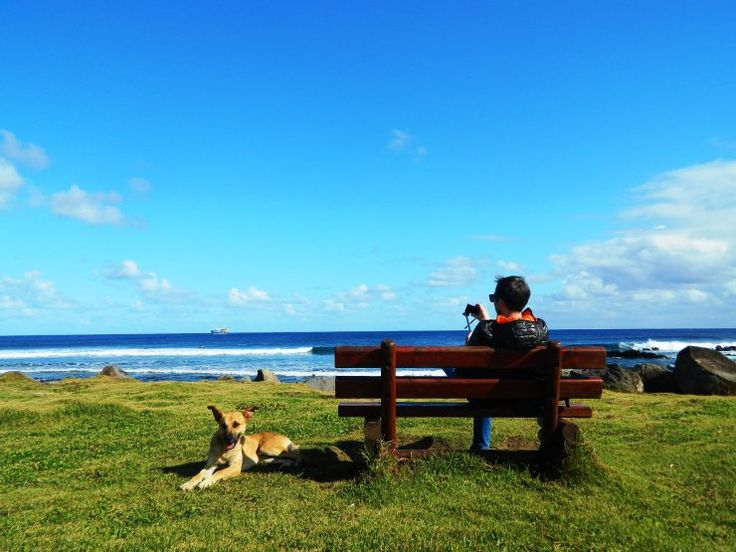 12 THINGS YOU MUST DO ON EASTER ISLAND Chill out in front of the ocean