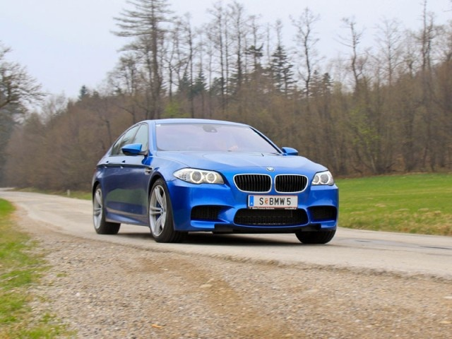 BMW M5 - 560 horses to leave you behind...