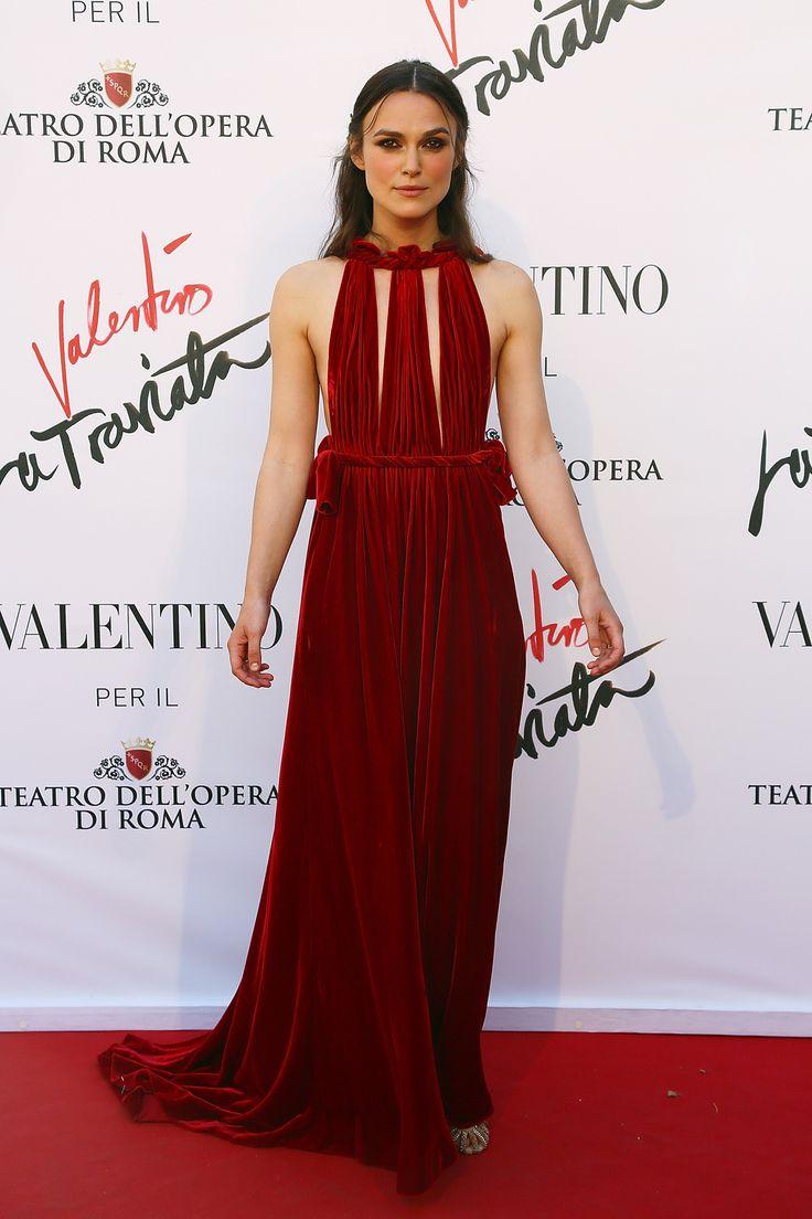 Dimanche 22 mai, le Teatro Dell'Opera à Rome inaugurait la première de 'La Traviata'. Le célèbre opéra de Verdi dont la mise en scène a été confié cette saison à Sofia Coppola et dont les costumes sont signés Valentino. L'occasion de revenir en images sur les célébrités présentes à l'événement.