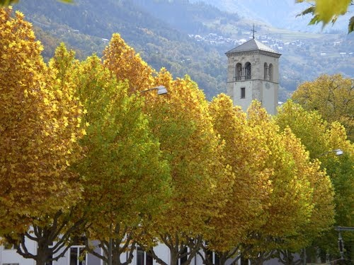 Visp Church and autumn colors #Switzerland #Church #Autumn