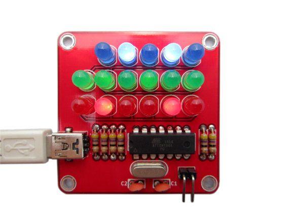 Kit de reloj binario puro con luces rojas, verdes y azules