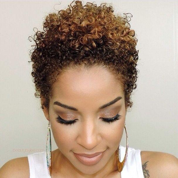 Coupe de cheveux femme noir court - Coupe afro courte femme ...