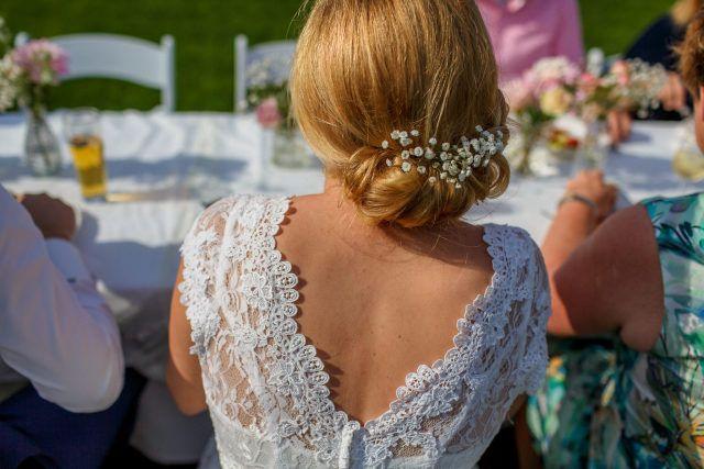 Credit: Nicole Bosch Fotografie - volk, huwelijk (ritueel), bruid, vrouw, ceremonie, volwassen, meisje, hoofddeksel, buitenshuis, portret, bloem (plant), een, festival (periode), viering, jurk, kleding