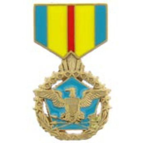 """Defense Distinguished Service Medal Pin 1 3/16"""" by FindingKing. $8.99. This is a new Defense Distinguished Service Medal Pin 1 3/16"""""""