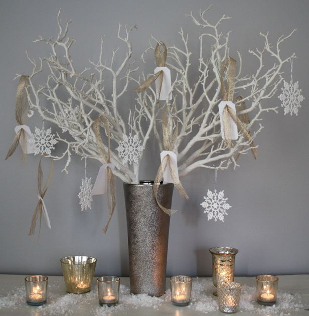 """The giving tree"". Have your family and holiday guests write down what they are grateful for this past year on hang tags. Tie the tags onto an arrangement of branches... Love the idea, I want to do this!!!"