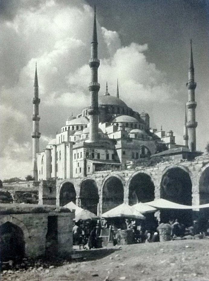 Sultan Ahmet Camii ve Arastası / 1933