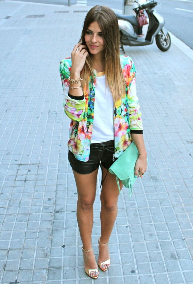 Florals Are Going To Be Spring Favorites! Floral print blazer paired with basic white Teeshirt and black shorts. Street wear fashion outfit ideas. Trends for Spring 2014.