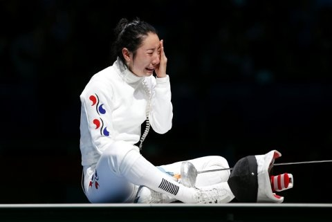 Not often seen someone so down. I feel with you, Shin A Lam. *hugs*Olympics Games, 2012 Olympics, London 2012, Korea Shin, 2012 Games, Olympics 2012, London Olympics, South Korea