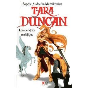 """Tara Duncan, tome 8, de S. Audoin-Mamikonian.   [Spoil] Avez vous remarqué qu'entre temps archange a découvert comment s'appelait le """"gadget"""" que porte tara sans qu'on nous  explique comment ?"""