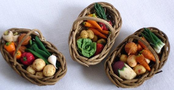 Display baskets of vegetables  10E