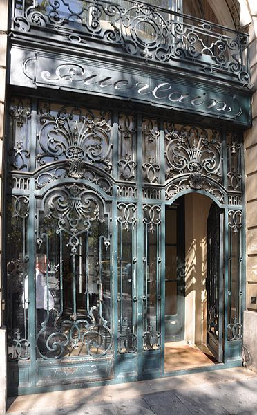 68 Avenue des Champs-Élysées, built in 1914 for perfumers Jacques and Pierre Guerlain, Paris      ᘡղbᘠ