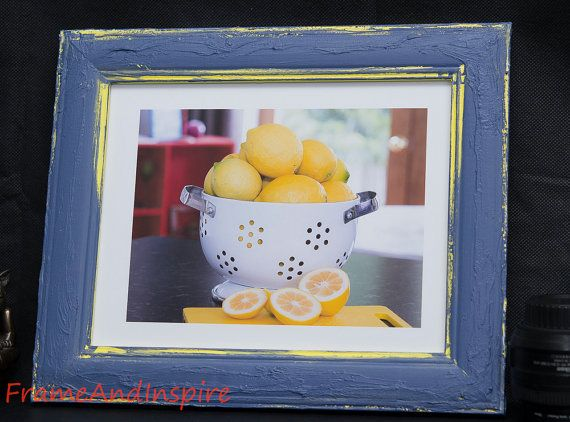 Country Cottage styled frame which will look fabulous in your kitchen or dining room.  This photo frame has been upcycled and includes a photo of