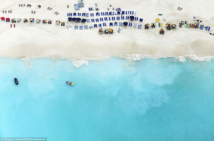 Αεροφωτογραφίες παραλιών που θυμίζουν πίνακες ζωγραφικής