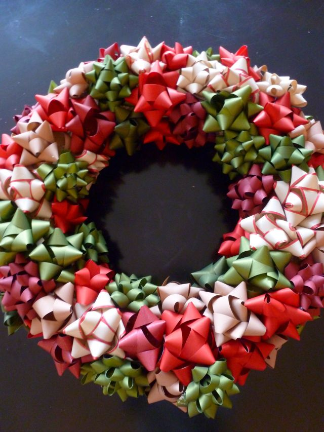 christmas decor diy -- very easy wreath project. hot glue wrapping bows to a wreath form. love the idea of doing this with gold and silver metallics