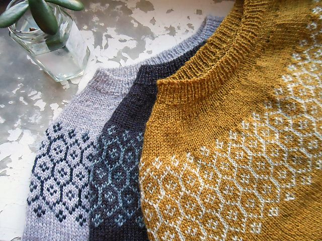 Stasis Pullover pattern by Leila Raabe