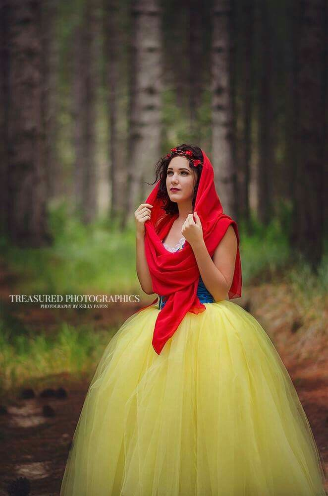 Snow White Themed Photoshoot  www.facebook.com/Treasured.Photographics.By.Kelly.Paton