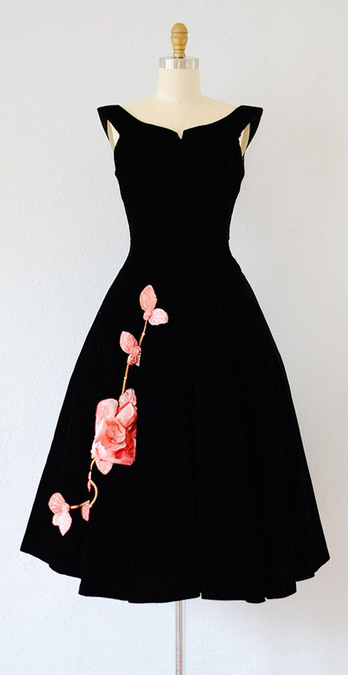 vintage 1950s dress | vintage 50s velvet dress #1950s #50sdress #vintage