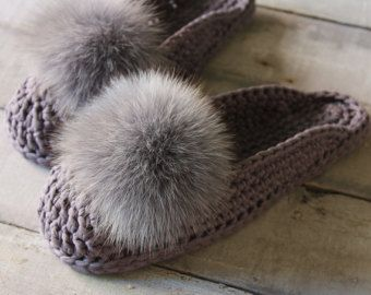 URBAN CHIC COLLECTION for home ♥ Super comfortable luxury fur mop mops slippers for women ♥ Hand made of organic T-shirt yarn ♥ Grey  What does a Real Woman want from home slippers?  - She wants to relax from heels; - she wants her feet to be in comfort; - she wants to stay elegant and stylish!  These sophisticated crochet slippers are absolutely requisite home shoes! A wonderful balance of fashion and comfort. Relaxed elegance for your feet…