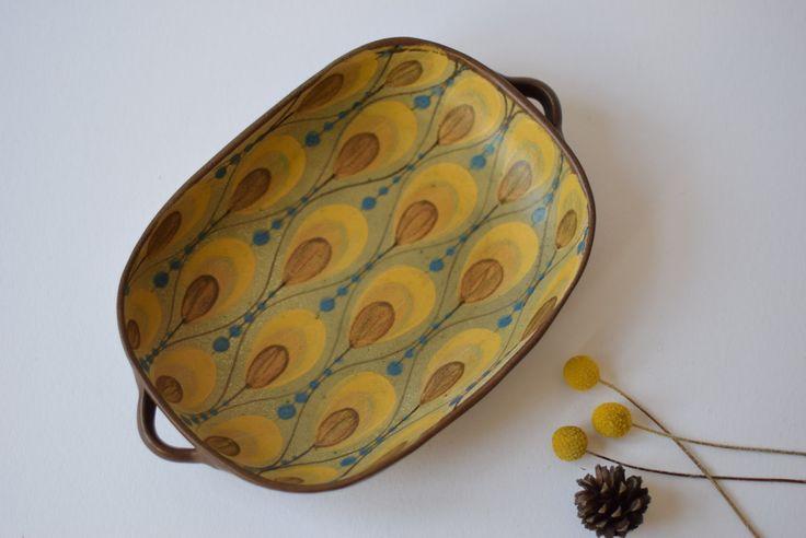 Dybdahl Denmark - big tray - size 2 - leaf decor - yellow blue - Danish mid century pottery - collectible by danishmood on Etsy https://www.etsy.com/listing/495358942/dybdahl-denmark-big-tray-size-2-leaf