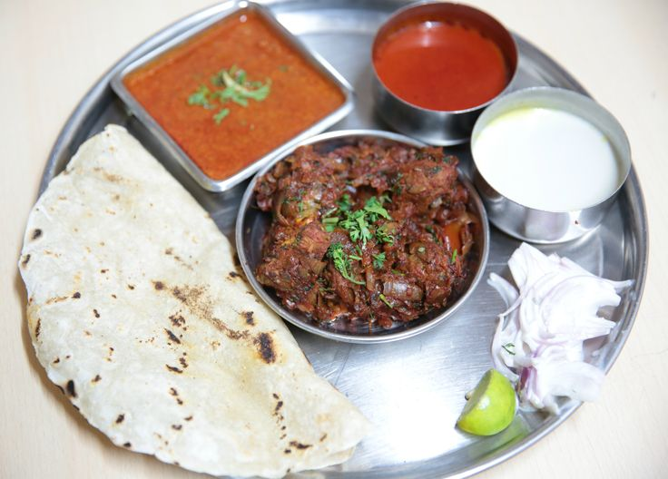 #MuttonDryThali at #PurepurKolhapur is a famous Kolhapuri spread. Spicy and mouthwatering, this thali consists of one portion of kheema wattle (keema gravy), dry mutton, curd onions, bhakri, pulao and unlimited pandhara rassa and tambada rassa. Priced at Rs. 330/- it is a delight for any meat lover.  #Mutton #KolhapuriFood #MumbaiFoodLovers #Foodicious #Spicy #Foodistani #MumbaiSummer #foodforfoodies #KeemaGravy #FoodReview #DryMutton #foodie #Meat #Awesome #CurdOnions #Bhakri #Pulao…