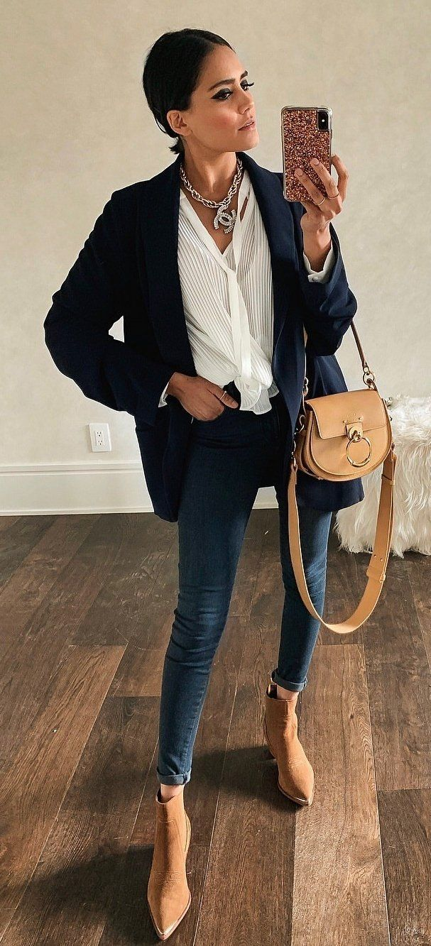 cb6b1049771 30+ Stunning Spring Outfits To Try Now  outfits  Spring  stunning. blue denim  skinny ...