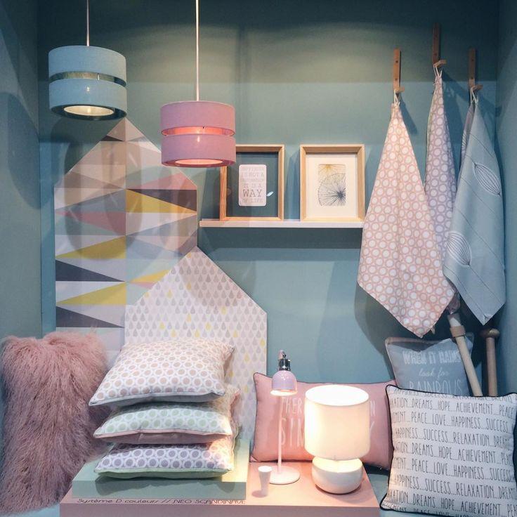 Leroy Merlin Collection déco 2016 !   Pantone color of the year 2016 Rose Quartz and Serenity Couleur Pantone de l'année 2016 Photo © clematc pour https://clemaroundthecorner.com/