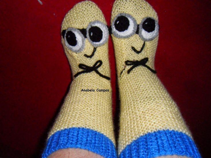 .: Meias / Pantufas de tricot Minion