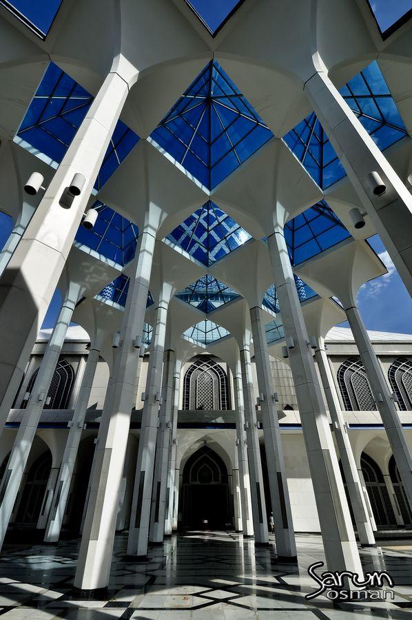 Sultan Salahuddin Abdul Aziz Shah Mosque, Shah Alam, Selangor, Malaysia