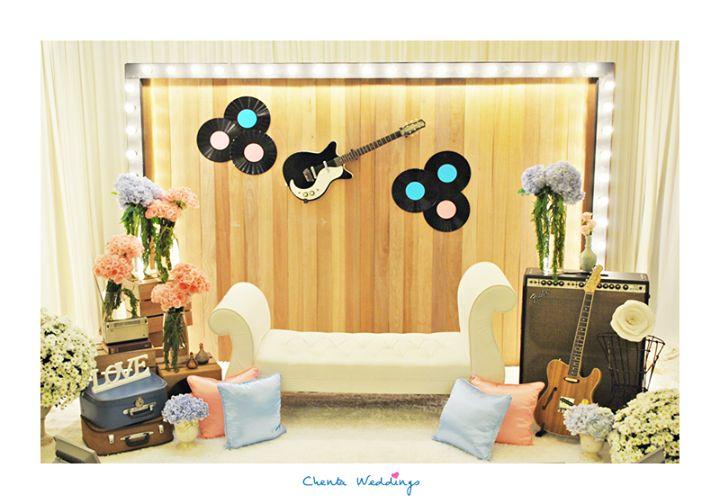 Wedding Rustic Vintage #Rustic #Vintage http://mii-and-himm.blogspot.com/2014/02/wedding-ideas-rustic-or-vintage-or-both.html